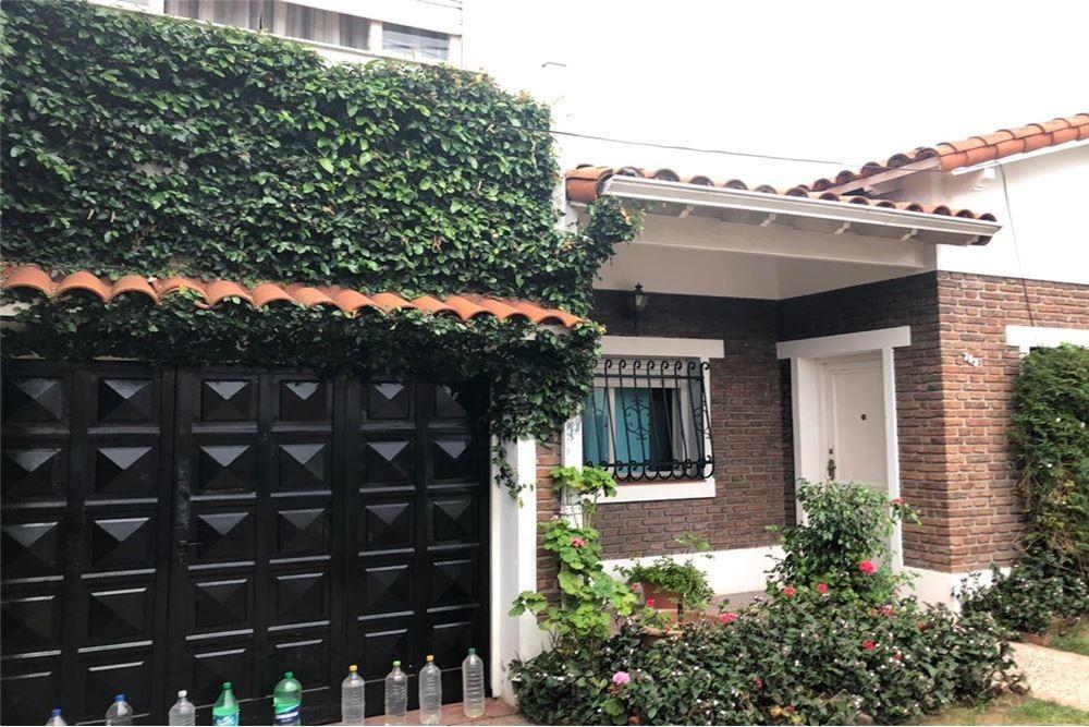 venta casa 4 ambientes en bernal