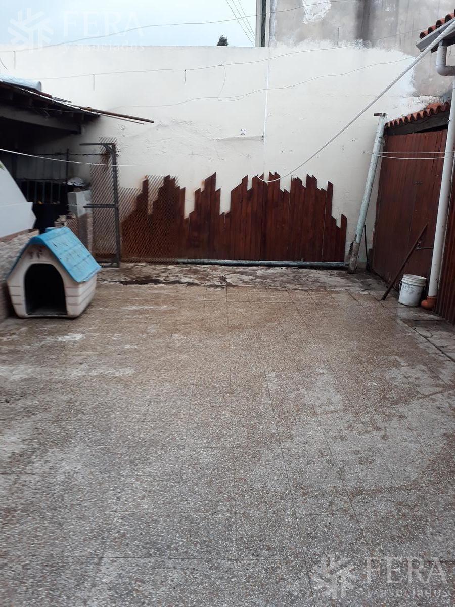 venta casa 4 ambientes en wilde  (24675) con cochera, patio y quincho.