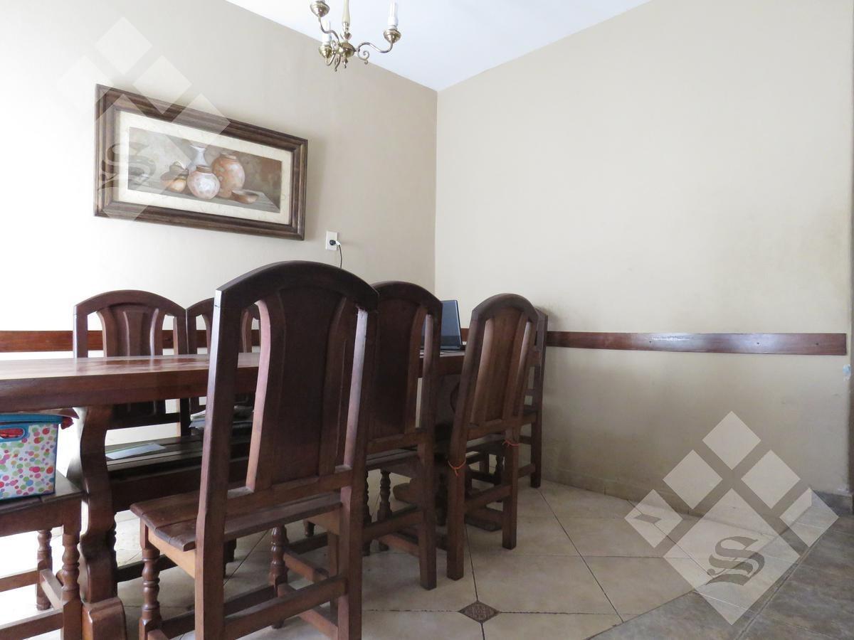 venta casa 4 ambientes! fondo y pileta