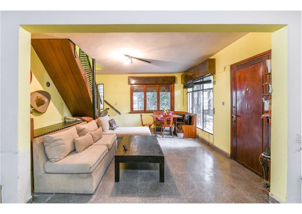 venta casa 4 ambientes jardin y garaje quilmes