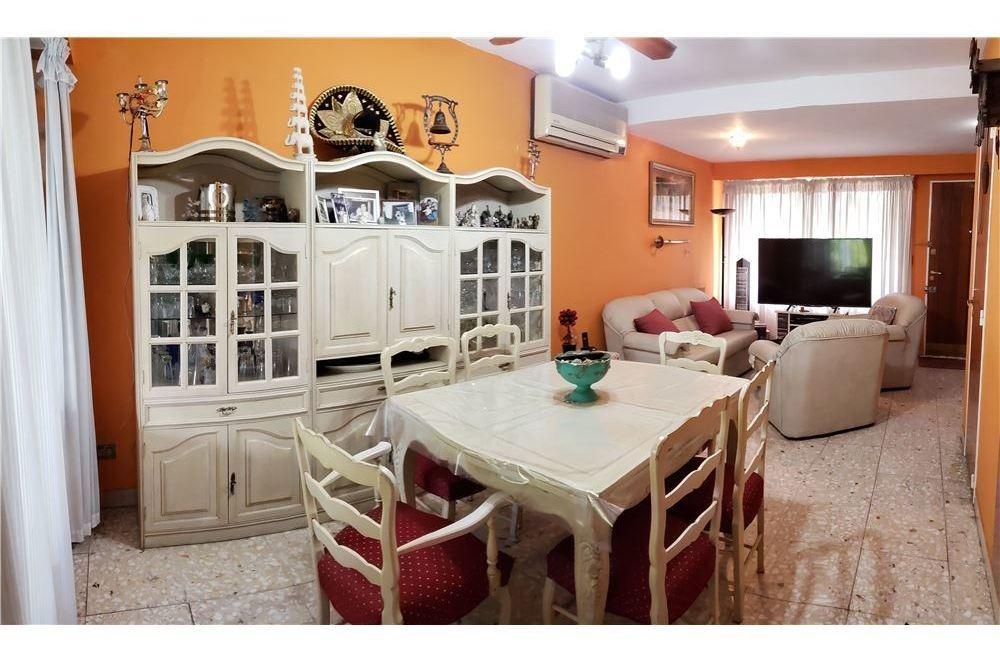 venta casa 4 ambientes v sarmiento financiación