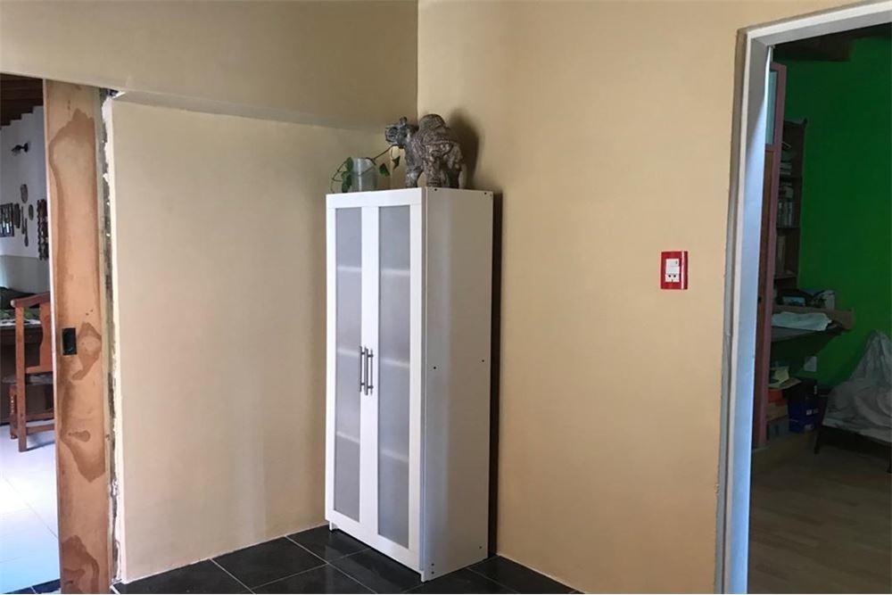 venta casa 4 ambientes.con galpón moreno.