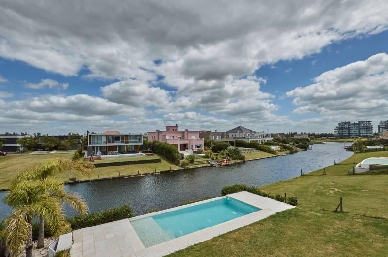 venta casa 4 dormitorios a estrenar lagos del golf