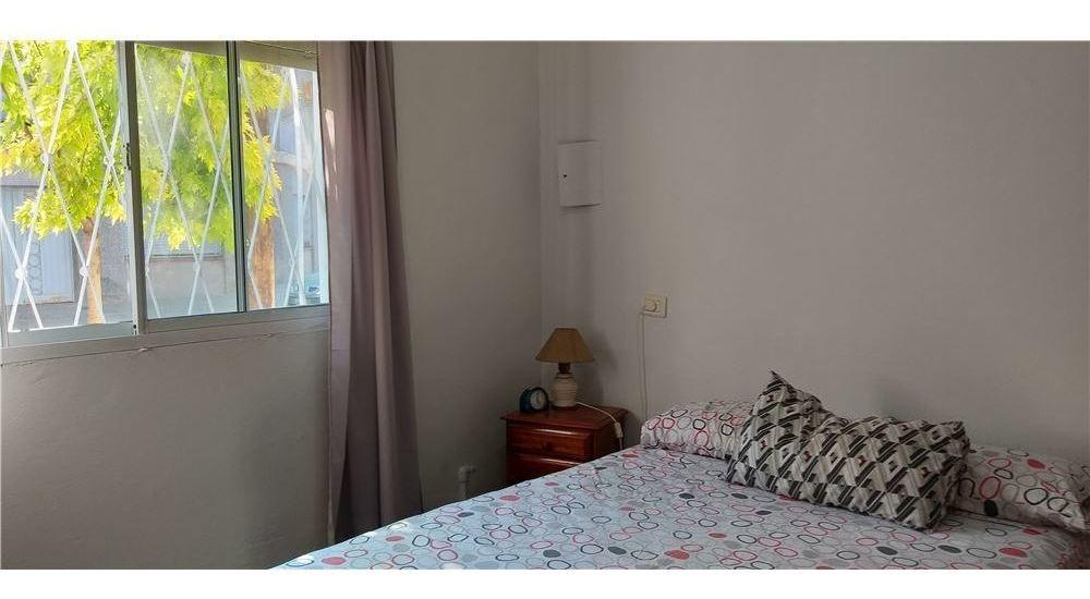 venta - casa 4 dormitorios - con patio + cochera.