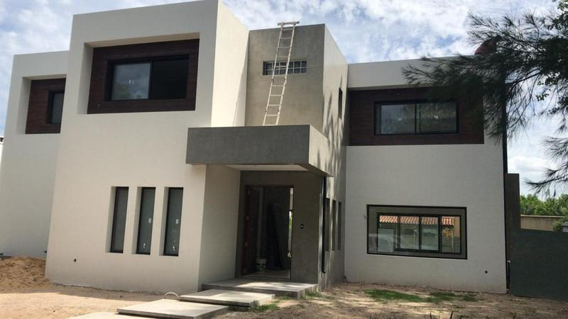 venta casa 4 dormitorios con pileta y amarra - san isidro labrador - villanueva