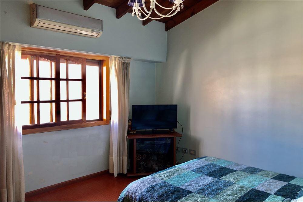 venta casa 4 dormitorios haedo c/ cochera parrilla