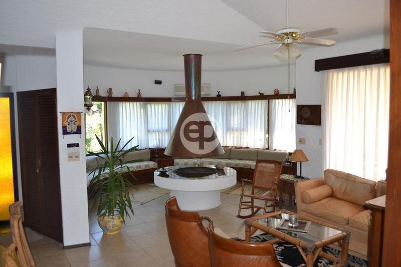 venta casa 4 dormitorios más dependencia punta del este