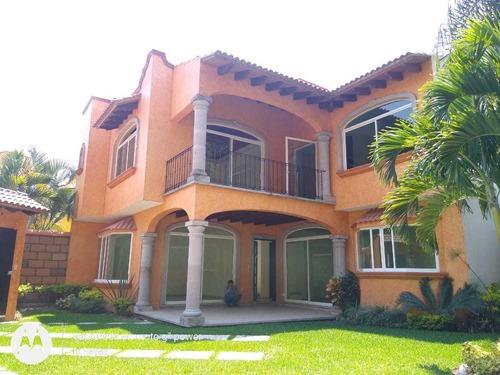 venta casa 4 nueva en privada/ alberca  lomas de cuernavaca