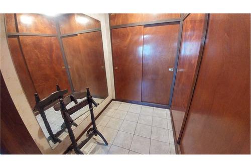 venta casa 5 amb apto credito c/garage castelar