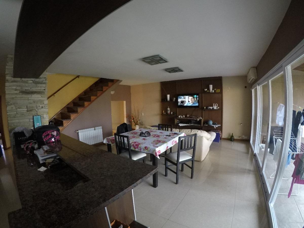 venta casa 5 amb. c/fondo y pileta -garaje doble quilmes o.
