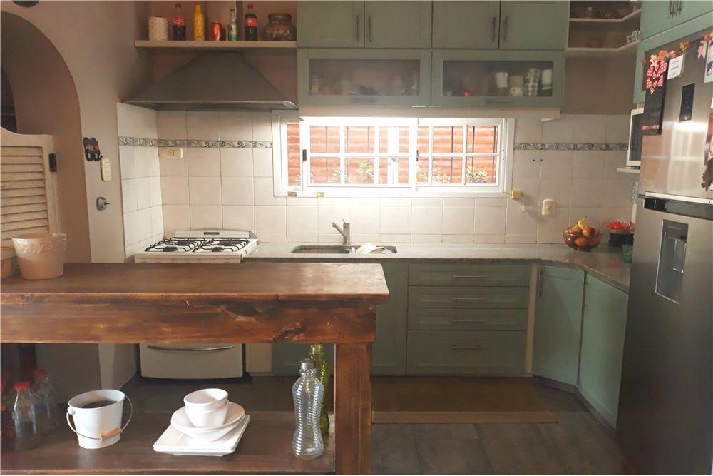 venta casa 5 amb cochera quincho hurlingham