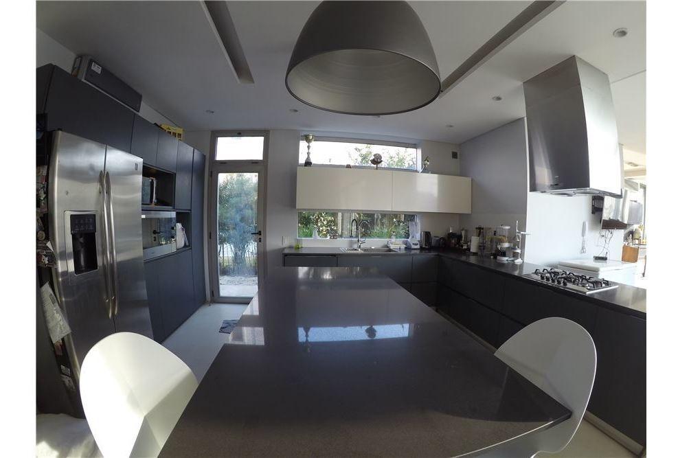 venta casa 5 amb con vista al agua -nuevo quilmes-