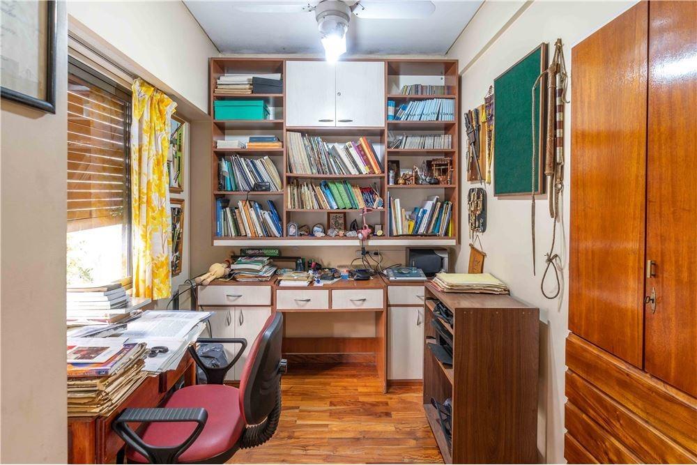 venta casa 5 amb + dep. terraza 2 patios v. luro