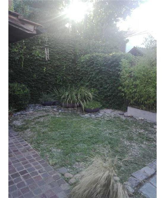 venta casa 5 amb en lote de 207 mt cochera jardín