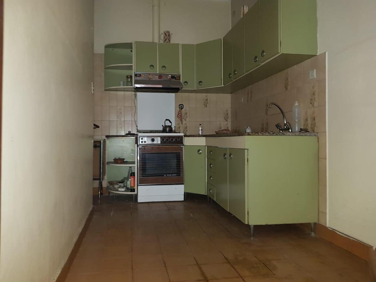 venta-casa 5 amb - ramos mejia- 2 ph- ideal 2 familias - con local - a refaccionar