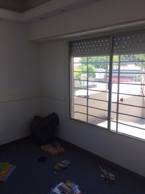 venta casa 5 amb temperley patio con pileta