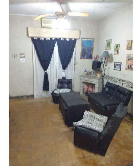 venta casa 5 ambientes caseros lote 184 m2