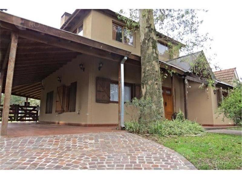 venta casa 5 ambientes con jardin parrilla y cocheras  barrio parque leloir