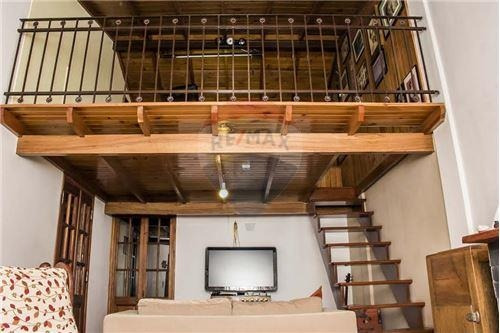 venta casa 5 ambientes morón. apta crédito!!