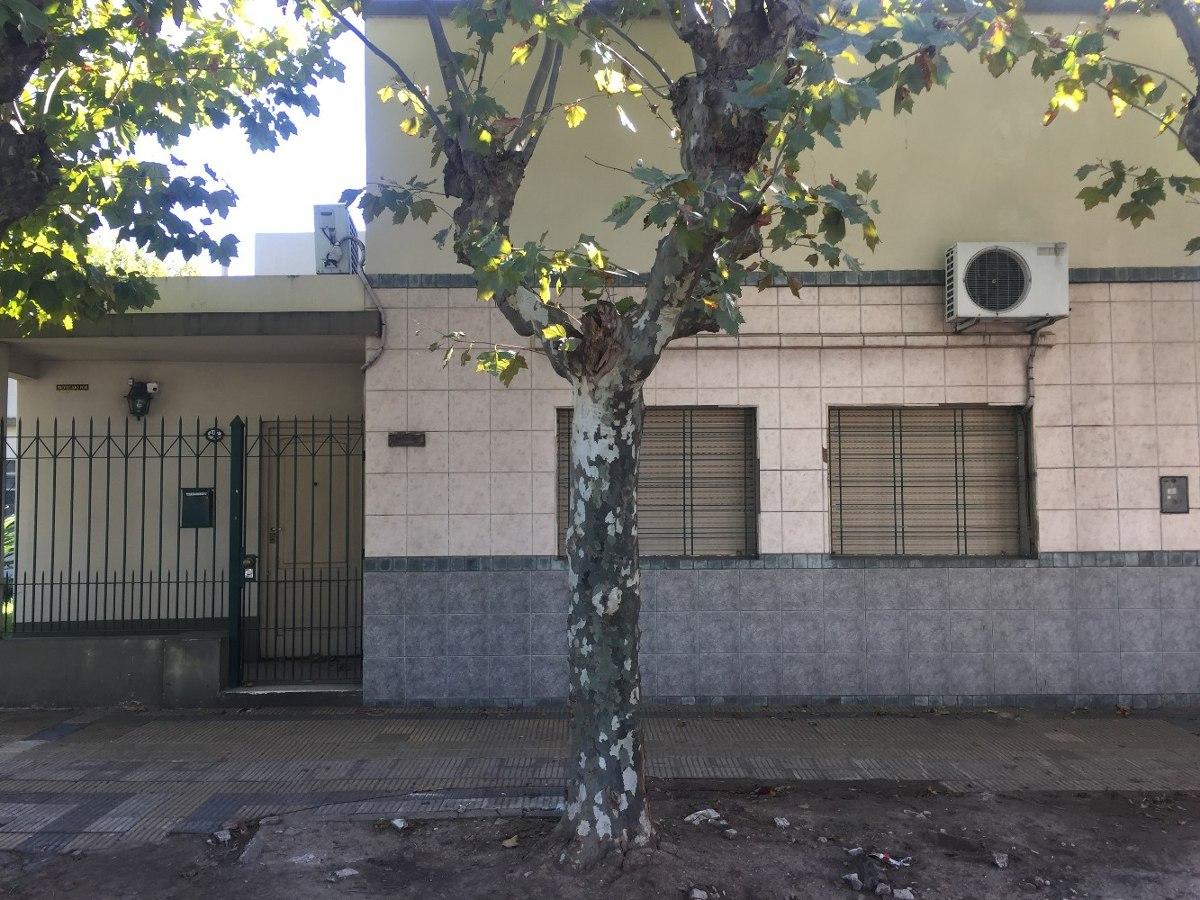 venta casa 5 ambientes remedios de escalada.