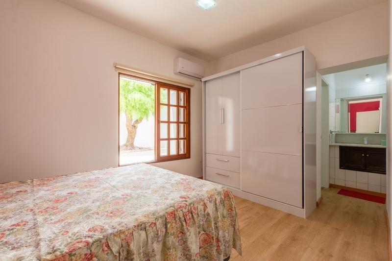 venta casa 5 dormitorios más dependencia punta del este