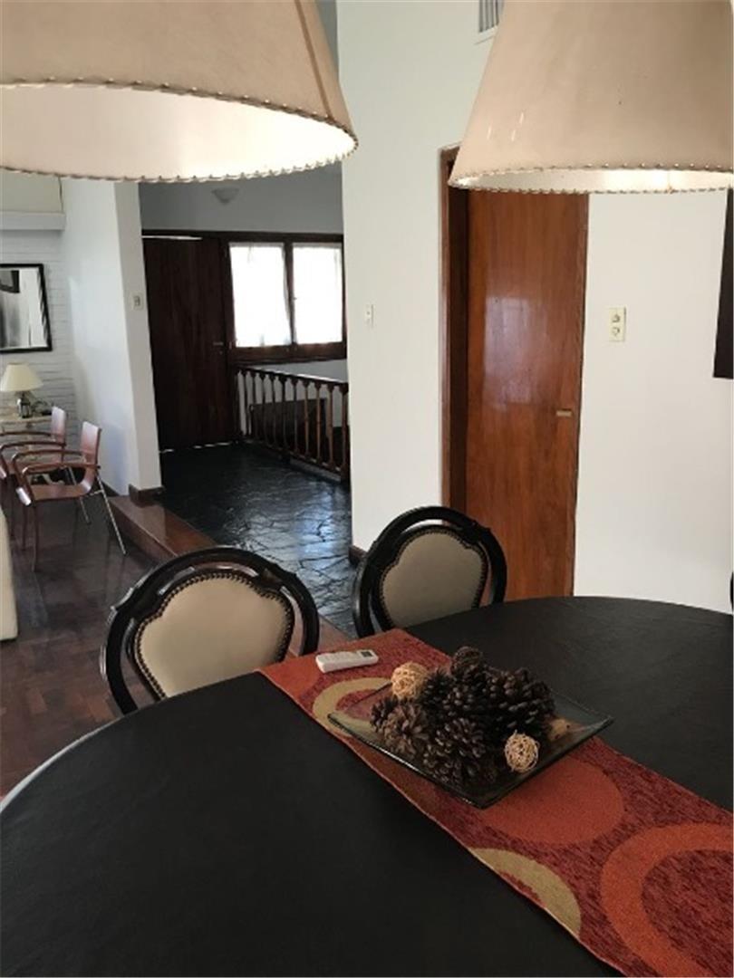 venta casa 5dorm. 4 bñs cerro de las rosas