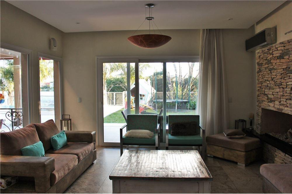 venta casa 6 amb en barrio san isidro labrador