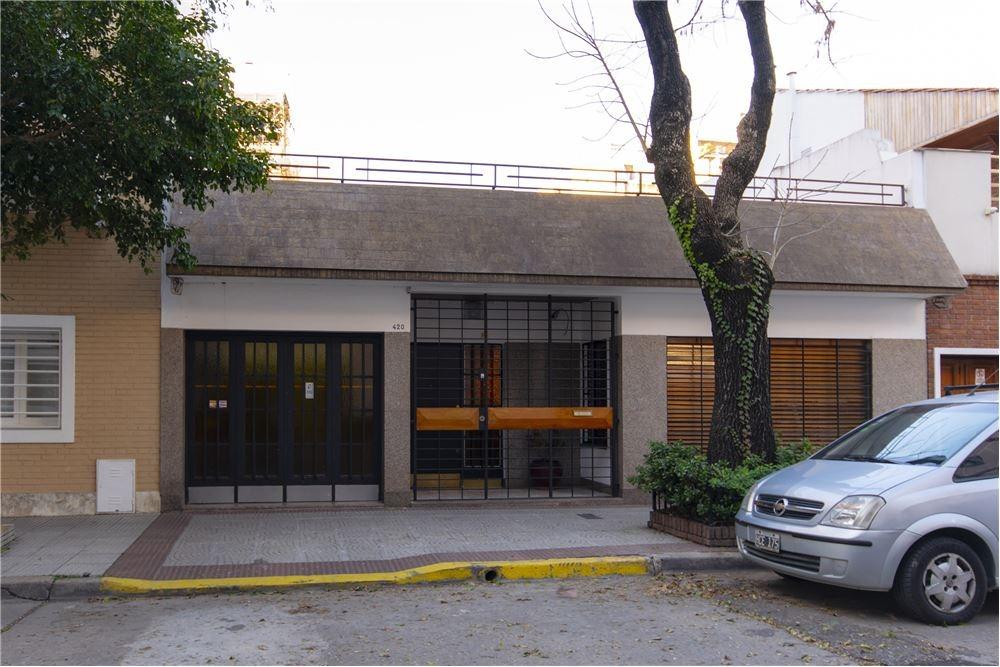 venta casa 6 amb lote propio con garage! caballito