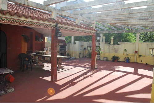venta casa 6 amb + terraza y cochera - caballito