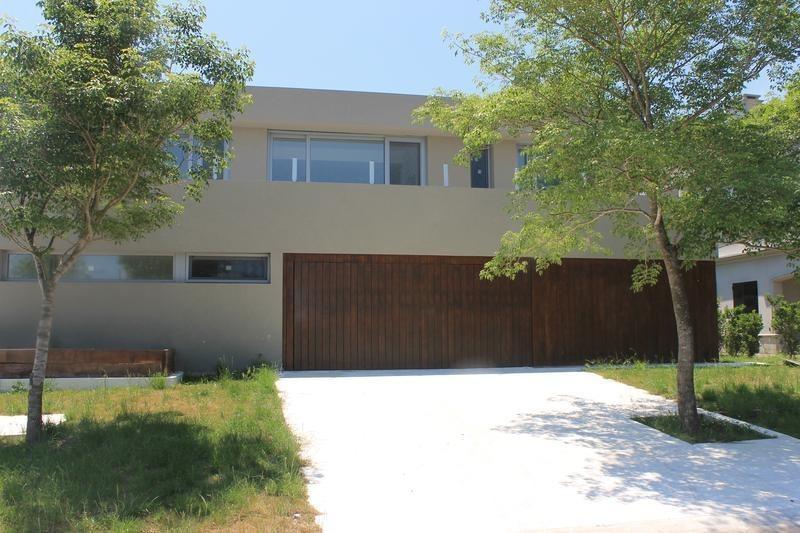venta casa 6 ambientes al golf barrio el golf nordelta