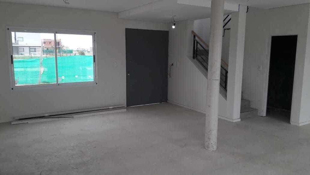 venta casa 6 ambientes canning.