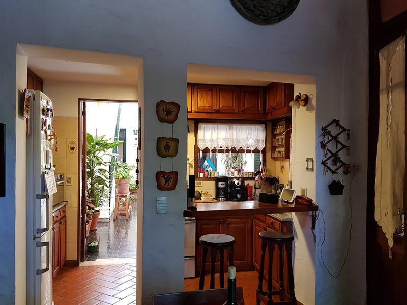 venta casa 6 ambientes terraza quincho parrilla balvanera
