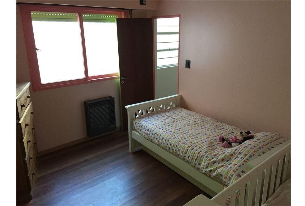 venta casa 6 ambientes villa del parque garage