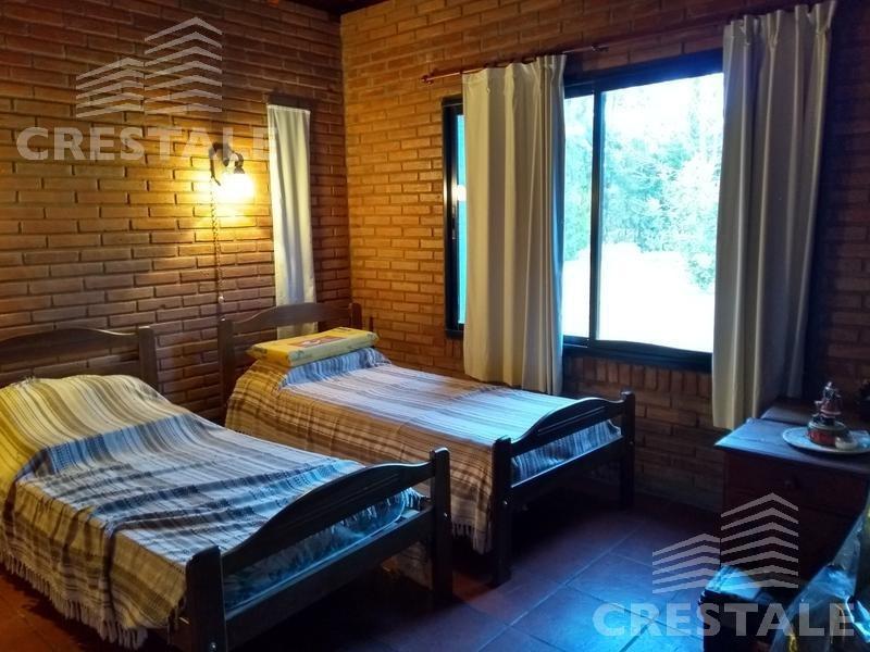 venta casa 6 dormitorios, chacra los raigales - roldan