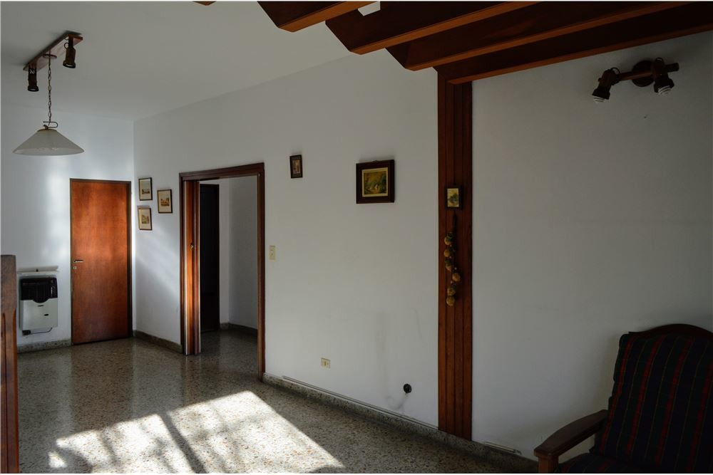 venta casa 7 amb apto galpón - local, temperley