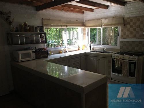 venta casa 7 ambientes, río iguazú 800, bella vista