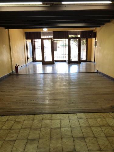 venta casa 7amb-piscina garaje-quincho-local. mercedes