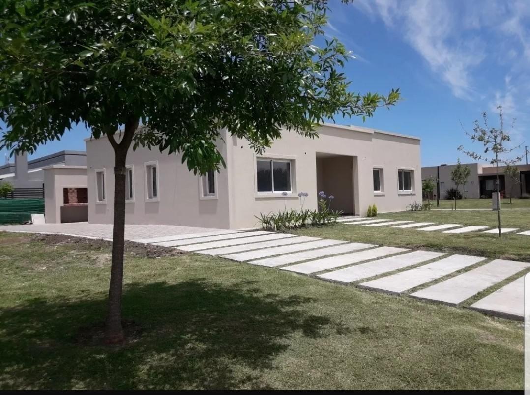 venta casa a estrenar en 1 planta de 3 dorm. con piscina  pilar del este, bº san eduardo -  pilar