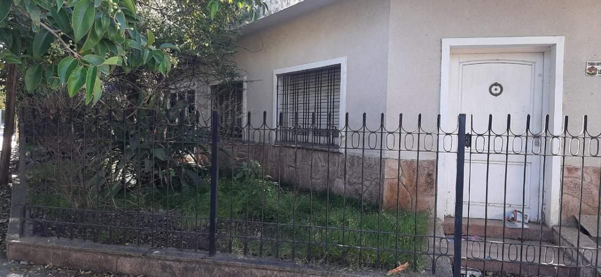 venta casa a reciclar en los naranjos