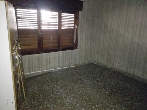venta casa a refaccionar en sarandí