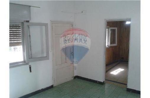 venta casa al frente en barrio refinería