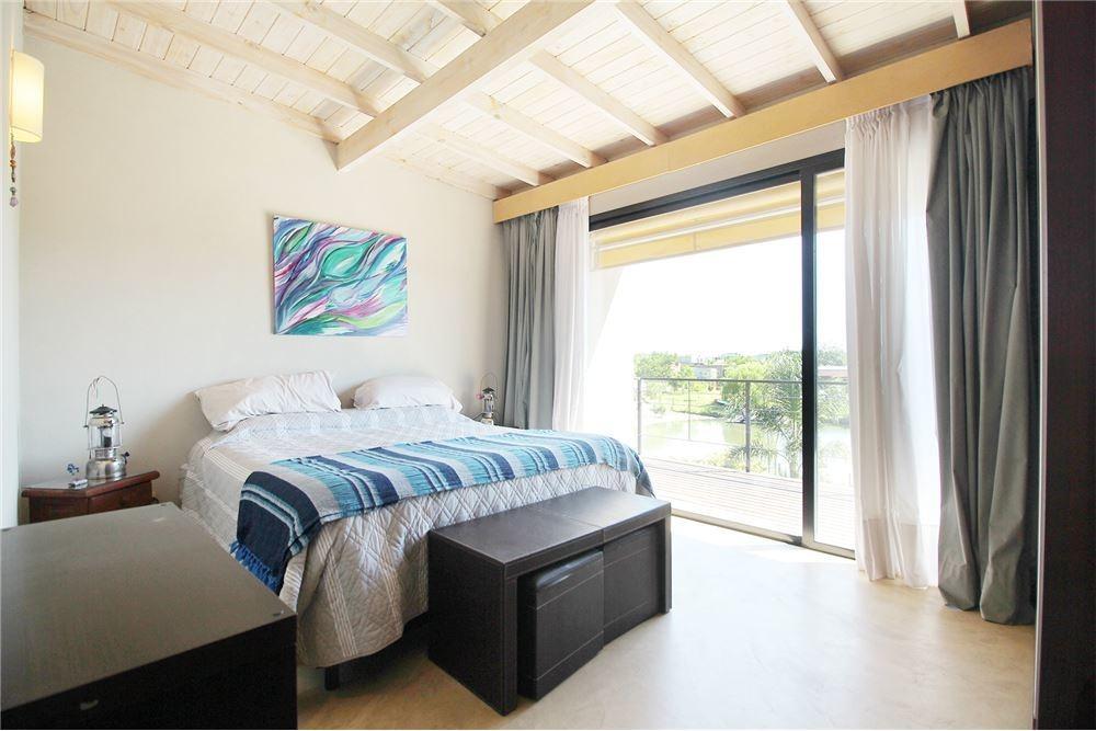 venta casa al lago con muelle san marco 5 amb