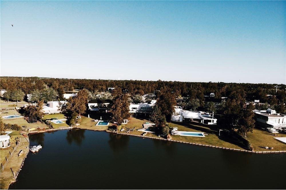venta casa aldea fisherton, country del lago
