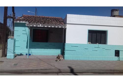 venta casa - apto crédito - b° amp. 1° de mayo