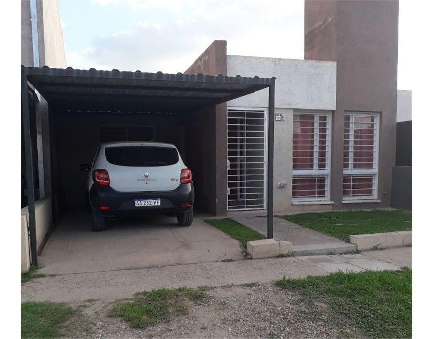venta casa bº carrara de horizonte- 2 dormitorios