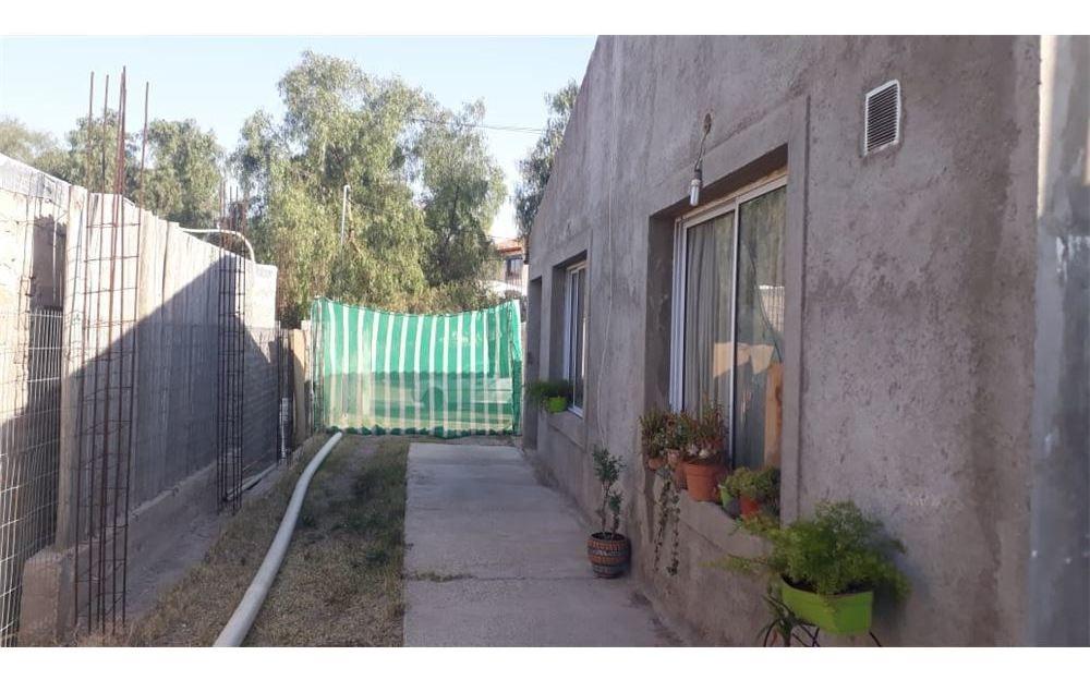 venta casa b° cerro de la capilla - el challao -lh