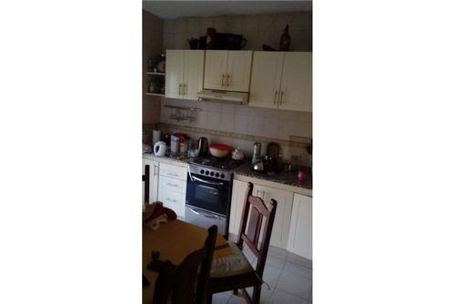 venta casa c/ ,garage  y 2 locales hurlingham