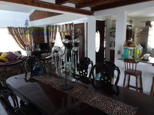venta casa campestre con hermoso jardín col. banderas tuxpan veracruz. se encuentra ubicada en la carretera tuxpan-tamiahua en la congregación banderas. cuenta con sala, comedor, cocina integral, 2 r