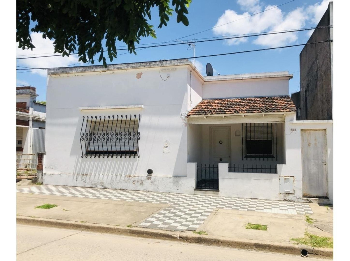 venta casa céntrica en san antonio de areco