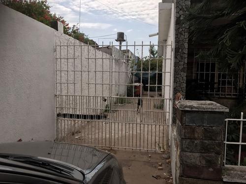 venta casa cerca del cruce casterlar